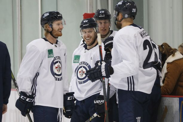 Kyle Connor, Bryan Little, Patrik Laine ja Blake Wheeler Jetsin harjoituksissa syyskuussa.