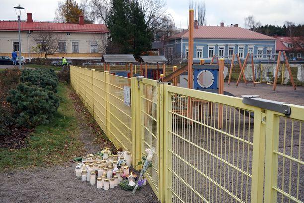 Maanantaiaamuna tapahtunut puukotus järkytti Porvoota marraskuussa 2017.