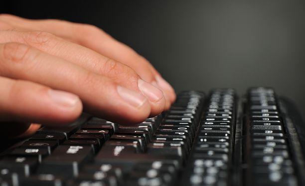 Käännöspalvelu ilmoittaa käyttöehdoissaan tekstien julkaisemisesta netissä.