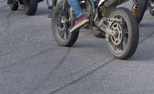 Moottoripajoissa nuoret ovat päässeet rakentelemaan mopoja ja autoja.