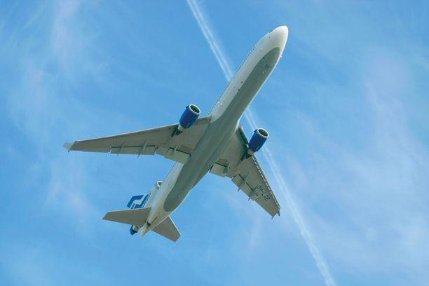 Finnairin lennot ovat keväällä kulkeneet poikkeusreiteillä Ukrainan kriisin takia.