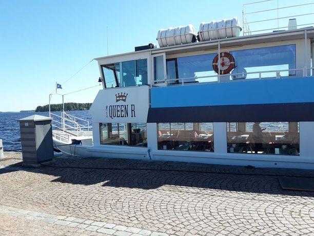 QueenR-laiva liikennöi Kuopion Kallavedellä.
