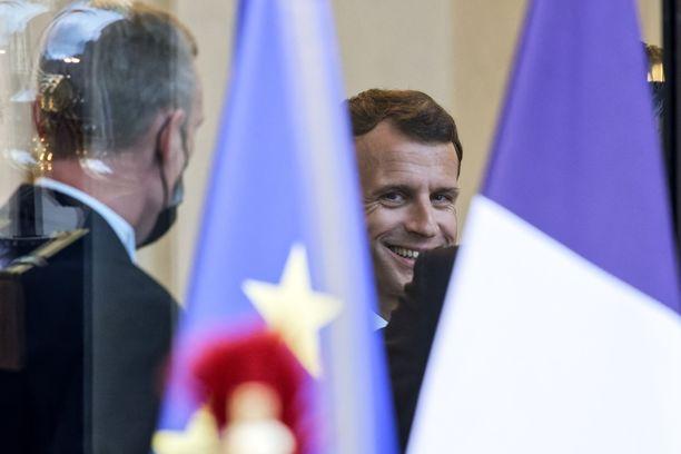 Presidentti Emmanuel Macronin puhe sai ranskalaiset liikkeelle.