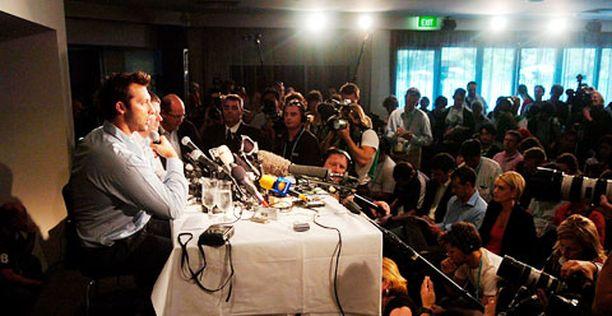 Kohu Ian Thorpen ympärillä vei median huomion hetkeksi pois uinnin MM-kisoista.
