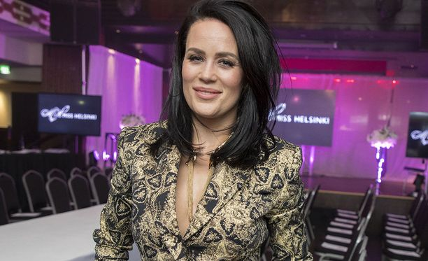 Martina Aitolehti, 35, on tunnettu suomalainen televisioesiintyjä.