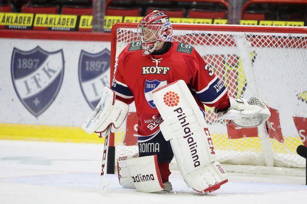Markus Ruusu on viime otteluissa tuurannut loukkaantunutta Atte Engreniä HIFK:n maalilla.