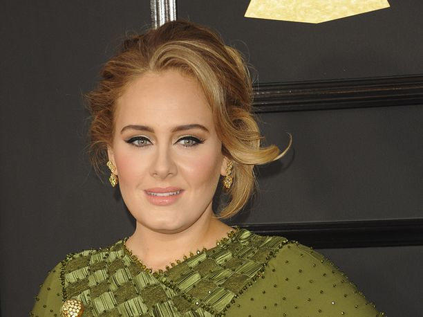 Laulaja Adele on kertonut fanittavansa Spice Girlsiä.