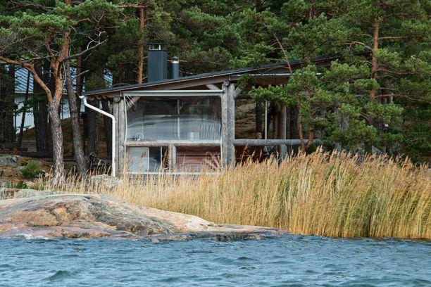 Airiston Helmellä oli Turun saaristossa omistuksessaan useita saaria.