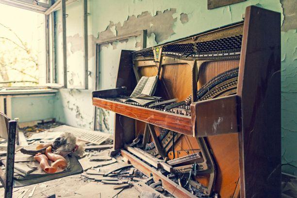 Ajan hammas on purrut ikuisesti vaienneeseen pianoon.