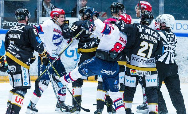 HIFK:n ja Kärppien välinen välieräsarja jatkuu tänään Oulussa tilanteessa 1-1.