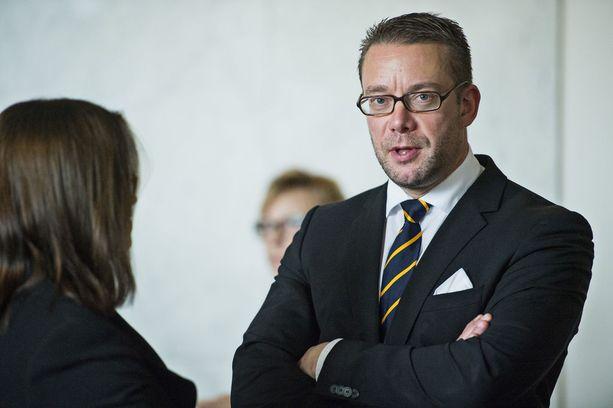 Stefan Wallin kiisti, että Dragsvik-kohu olisi vaikuttanut puoluejohtajuudesta luopumiseen.