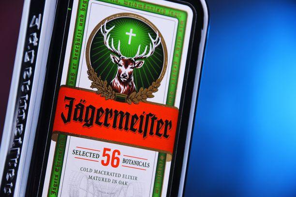 Juoma valmistetaan salaisella reseptillä ja siinä käytetään 56 erilaista yrttiä.