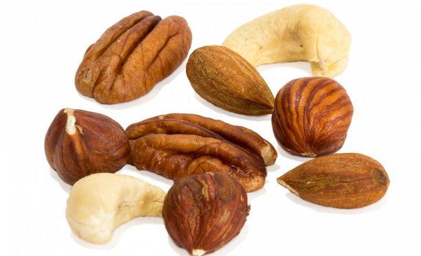 Pähkinöissä, siemenissä, kasviöljyissä ja kasvimargariineissa on linolihappoa.