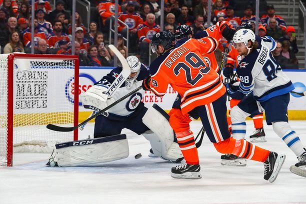 Leon Draisatl pelaa Edmonton Oilersissa.