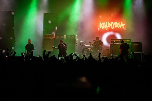 Klamydia kertoi miehistönvaihdoksestaan keskiviikkona Facebookissa.