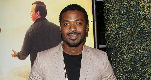 Kim kuvasi videon vuonna 2003 silloisen poikaystävänsä, R&B-artisti Ray J:n kanssa. Kuvassa Ray J viime kesänä.