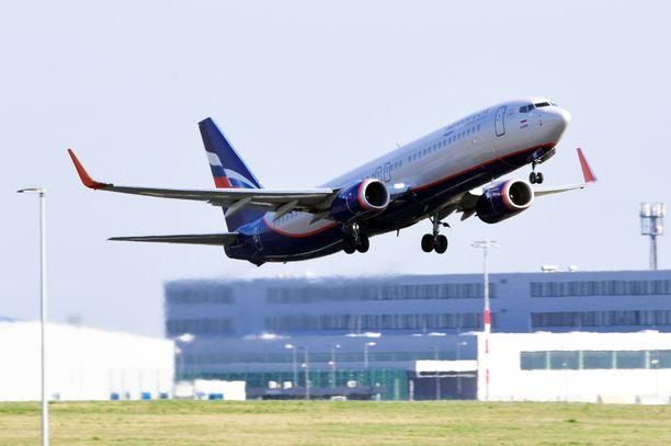 Kielto koskee muun muassa venäläisyhtiö Aeroflotin lentoja. Kuvituskuva.