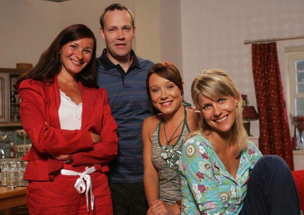 Iättömät tähdet Johanna Nurmimaa ja Timo Jurkka ovat näytelleet Salkkareista vuodesta 2004. Tämä kuva on vuodelta 2006.