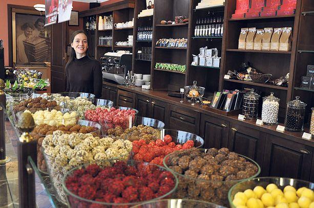 Emils Gustavs Choclate Shopissa saa nauttia paitsi käsintehdyistä tryffeleistä myös herkullisista suklaajuomista.