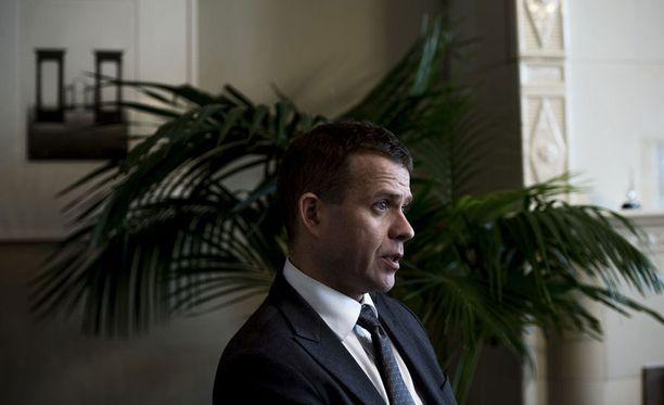 Kokoomuksen puheenjohtajaksi valittu Petteri Orpo toteaa, että ministereiden määrästä olisi hyvä keskustella.