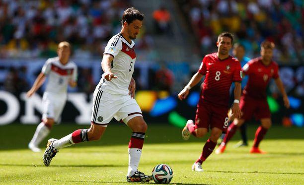 Mats Hummels on Saksalle elintärkeä pelaaja.