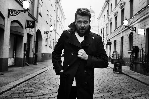 Antti Ketonen julkaisi tänään perjantaina uutta musiikkia.
