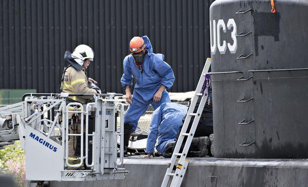 Keksijä Peter Madsenin epäillään murhanneen ja paloitelleen Kim Wallin sukellusveneellään.
