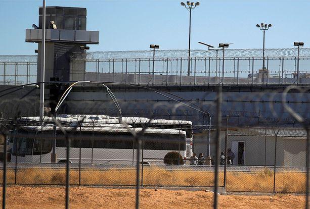 """Joaquin """"El Chapo"""" Guzman on vangittuna Yhdysvaltojen korkeimman turvatason vankilassa Firenzessä, Coloradossa."""