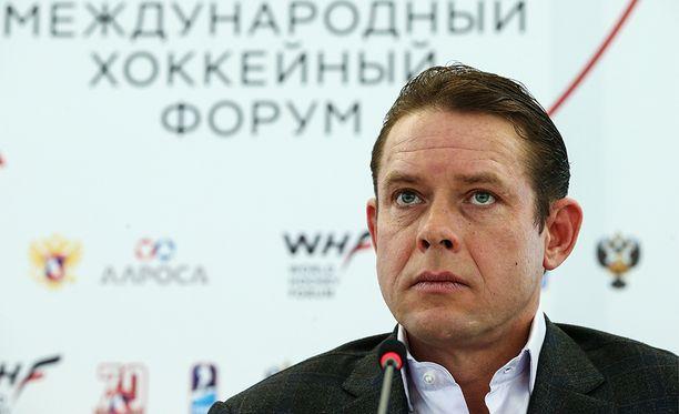 """Legendaarinen Pavel Bure harmitteli Venäjän """"järkyttävän kuritonta"""" peliä."""
