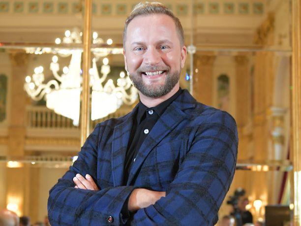 Mikko Silvennoista on vuosien varrella kuultu muun muassa Euroviisujen selostamossa.