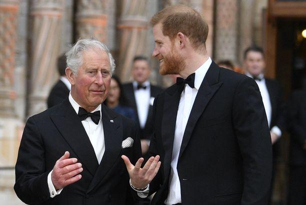 Prinssi Charles haluaisi olla paikalla, kun hänen nuoremmasta pojastaan tulee isä.