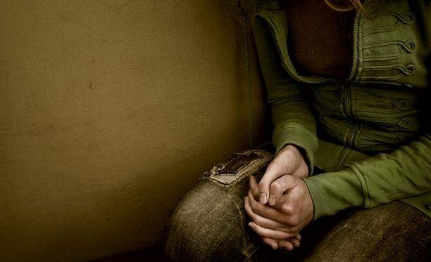 Poliisin mukaan 9-15-vuotiaita tyttöjä on joutunut tapauksessa seksuaalirikosten uhreiksi.