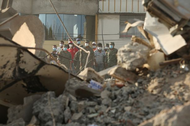 Lauantaina tapahtunut 7,8 magnitudin maanjäristys on surmannut liki 300 ihmistä ja yli 2 500 on loukkaantunut.