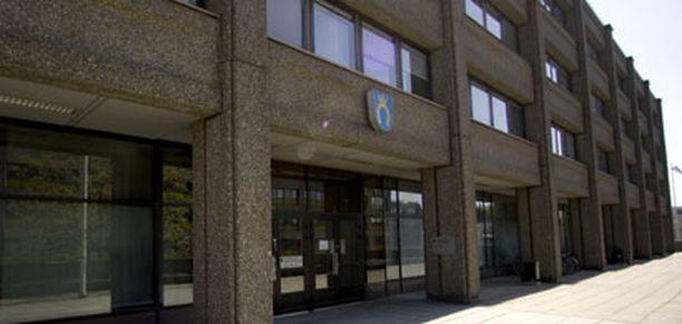 Espoon kaupunginvaltuusto päättänee kaupungintalon kohtalosta 25.8.