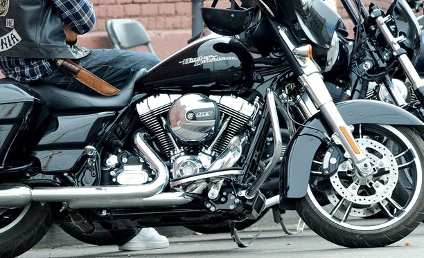 Sons of Anarchy -sarjassa näytellyt Paul John Vasquez on kuollut. Sarja kertoi moottoripyöräjengin elämästä. Kuva on sarjan kuvauksista.