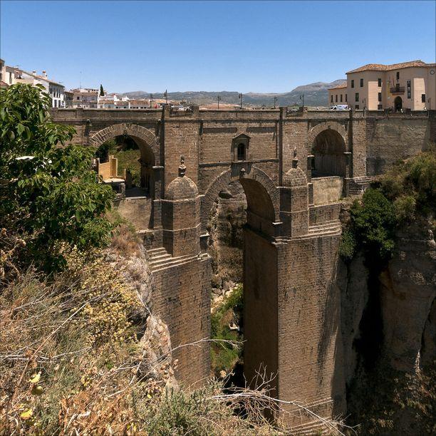 1700-luvun lopulla rakennettu uusi silta.