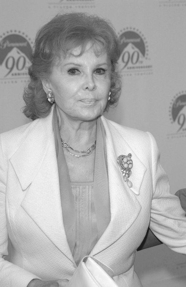 Rhonda Flaming teki pitkän uran näyttelijänä. Hänet tunnettiin myös hyväntekeväisyystyöstään.