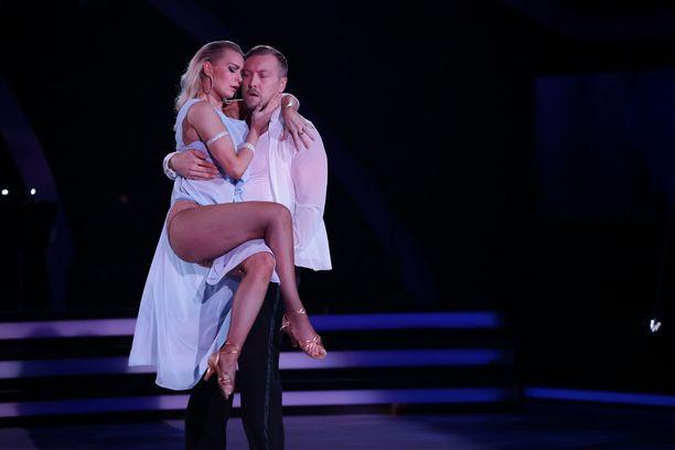 Niklas Hagman ja Kia Lehmuskoski keräävät hehkutusta viikosta toiseen.