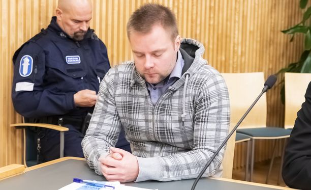 Jukka Hyttinen tuomittiin lähes 10 vuoden vankeuteen teostaan. Hän kiisti syytteen käräjäoikeudessa.