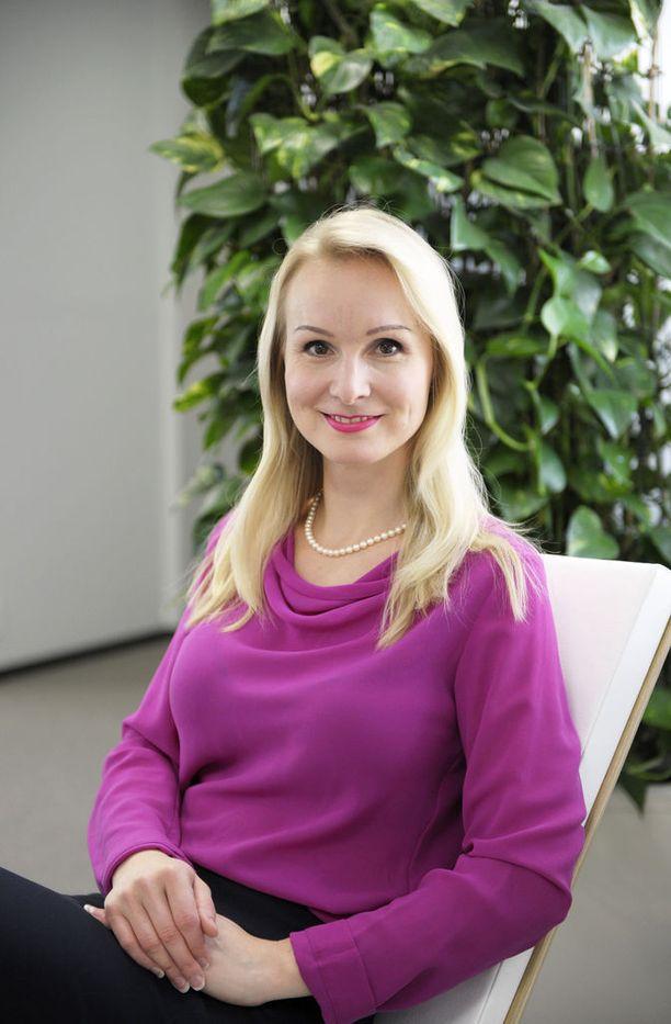 Ann-Mari Kemell on keskuskauppakamarin verotuksesta vastaava johtaja.