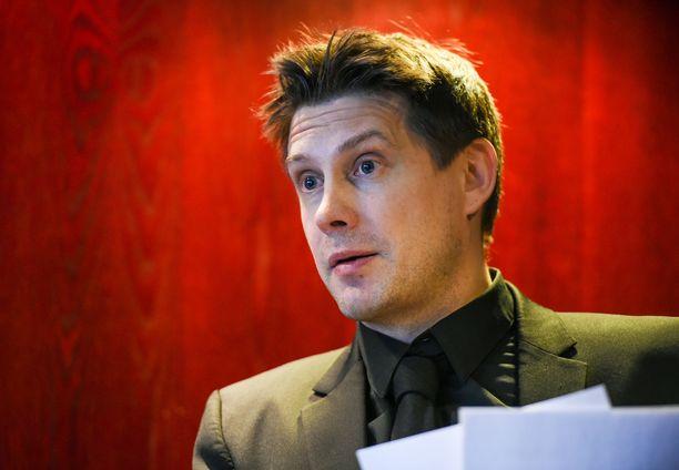 Veikkausliigan puheenjohtaja Timo Marjamaa sanoo, että paikallisilta viranomaisilta tulevat kaikki rajoitteet.