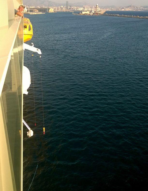 Tältä paikalta pelastusvene putosi.