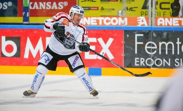 Petteri Nummelin on yksi tämän kauden TPS-tähdistä.