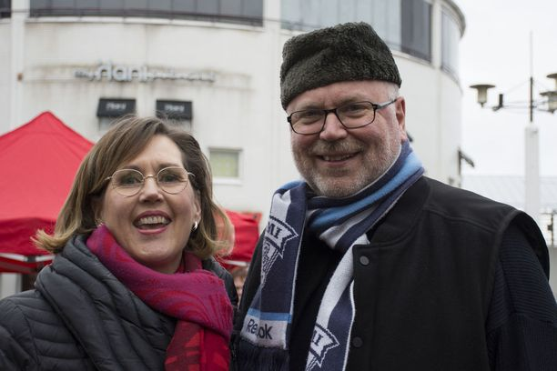 Eero Heinäluoma tunnusti, että Haatainen on hänen salarakkaansa.
