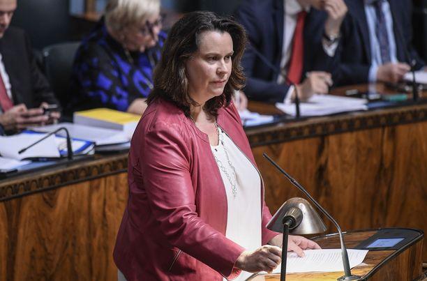 SDP:n kansanedustaja Johanna Ojala-Niemelä käytti taksia 59 kertaa huhti-toukokuussa.
