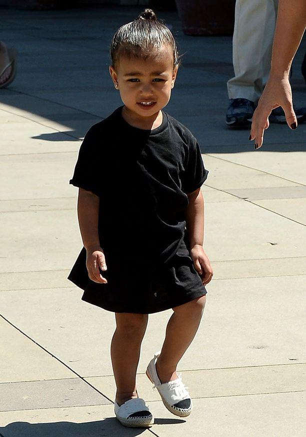 Nori sai jalkaansa himotut Chanelin espadrillot jo nuorella iällä.