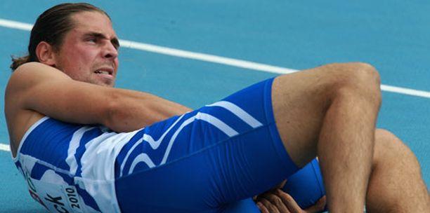 Juha Sonck loukkasi itseään suorituksensa aikana.