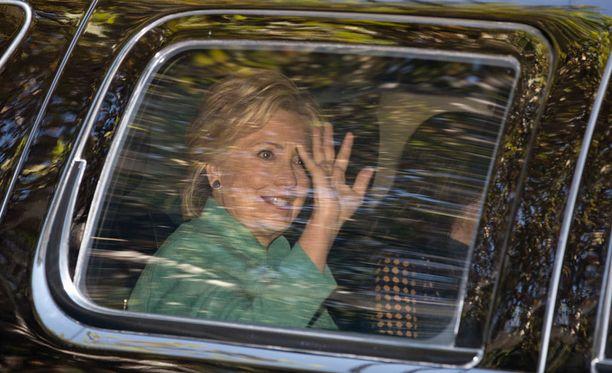 Hillary Clinton on reilussa johdossa mielipidekyselyn mukaan.