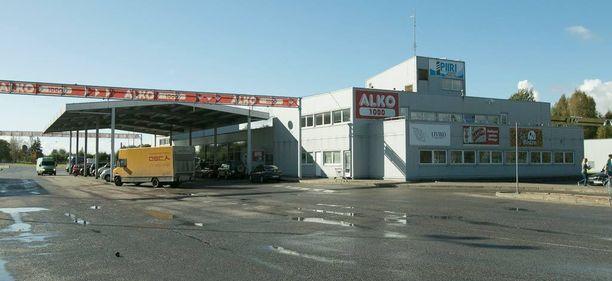Alko1000 perustettiin hylätylle raja-asemalle Viron ja Latvian väliin. Pian sinne aletaan järjestää bussikuljetuksia Tallinnasta.