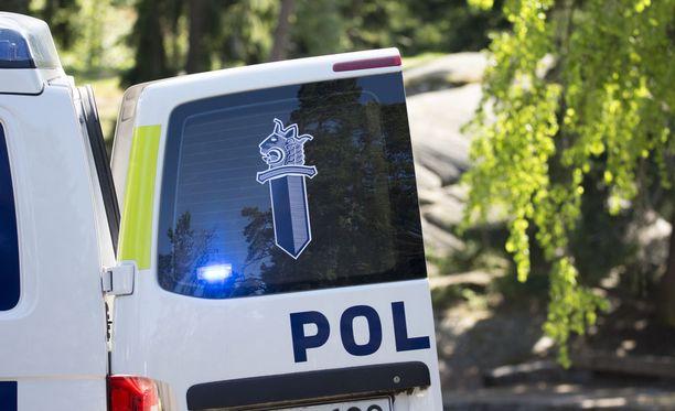 Poliisi tutkii tapausta rikosnimikkeellä murha. Kuvituskuva.